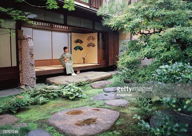 image of japanese garden - 日本建築 ストックフォトと画像
