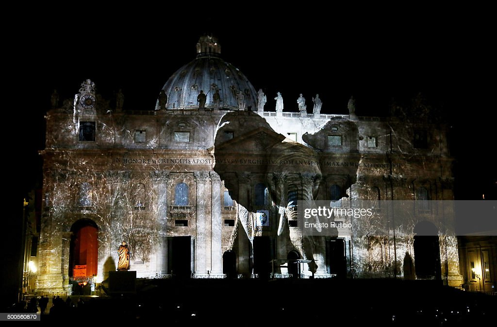 Beautiful Projections Light Up St. Peters Basilica