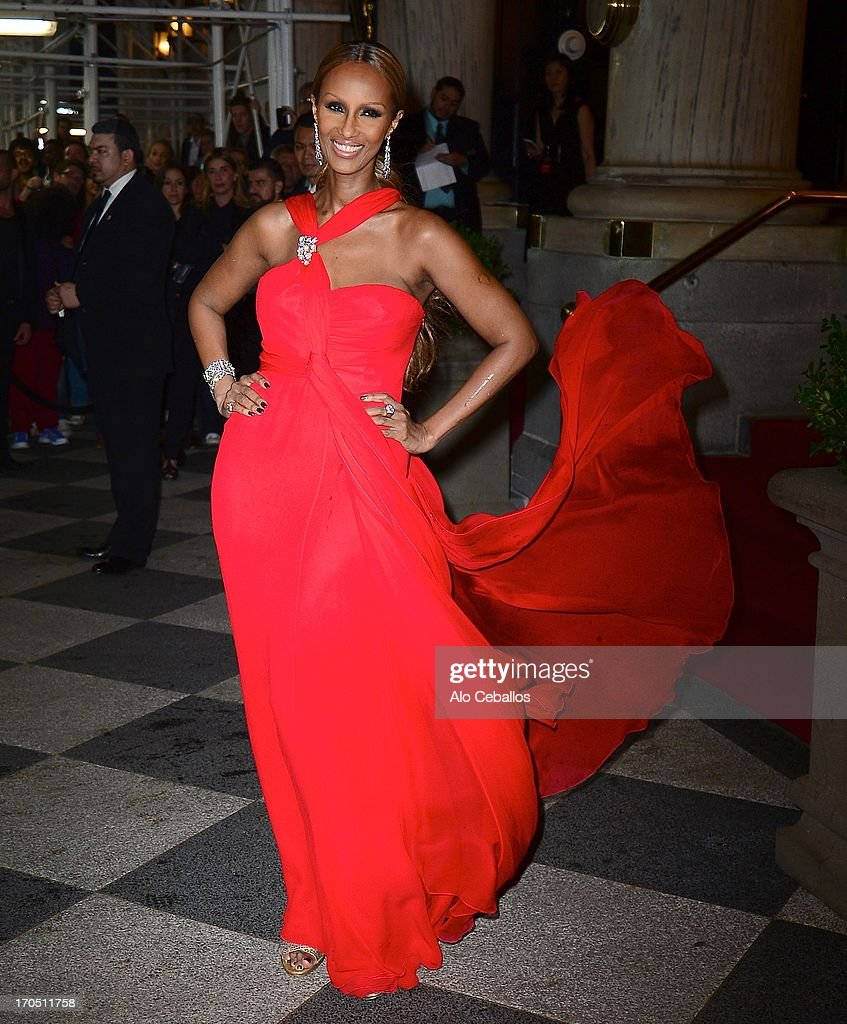 Iman arrives the 4th Annual amfAR Inspiration Gala New York at The Plaza Hotel on June 13, 2013 in New York City.