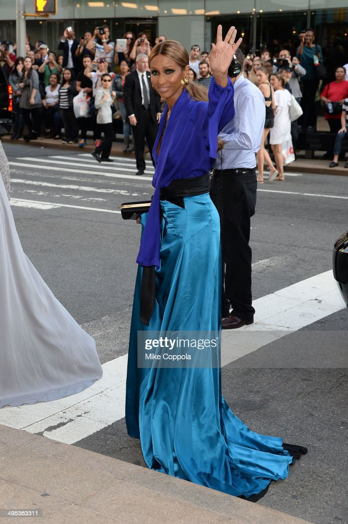 Iman attends the 2014 CFDA fashion awards at Alice Tully Hall, Lincoln Center on June 2, 2014 in New York City.