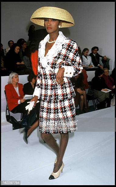 Iman Chanel 1988 Spring/Summer ReadyToWear Fashion Show