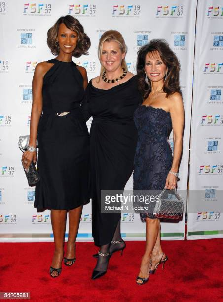 Iman Mindy Grossman and Susan Lucci attend the 2009 Fashion Scholarship Fund's Geoffrey Beene Fashion Scholarship Dinner at the New York Marriott...