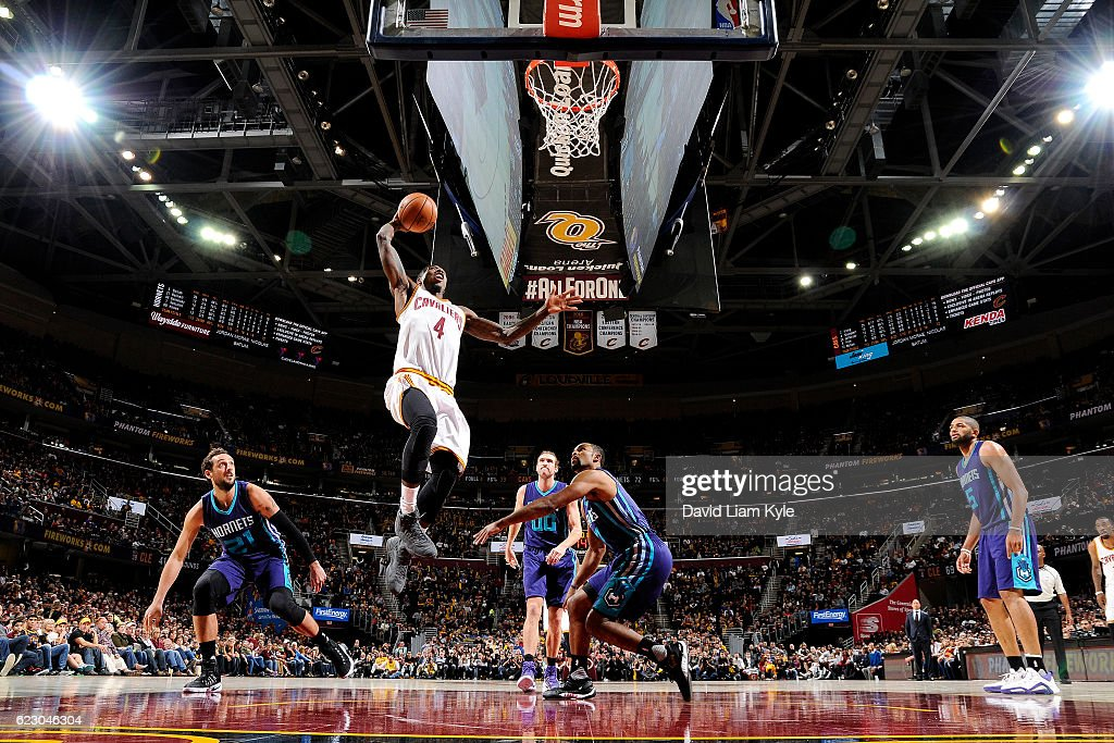 Iman Shumpert #4 of the Cleveland Cavaliers goes for the dunk during the game against the Charlotte Hornets on November 13, 2016 at Quicken Loans Arena in Cleveland, Ohio.