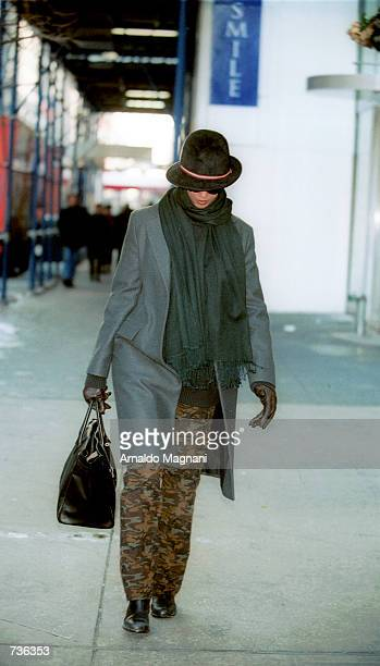 Iman the wife of David Bowie window shops on 57th Street and 5th Avenue January 23 2001 in New York City