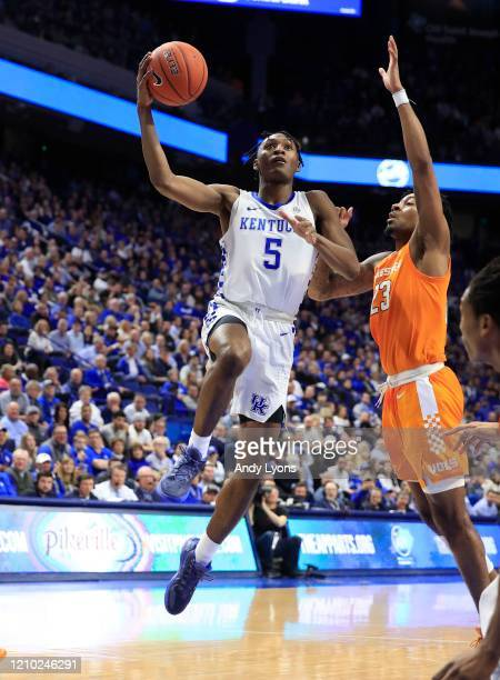 Immanuel Quickley of the Kentucky Wildcats shoots the ball against against the Tennessee Volunteers at Rupp Arena on March 03, 2020 in Lexington,...