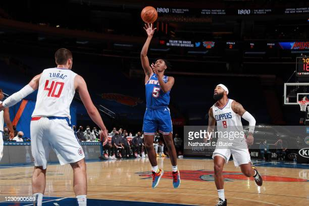 Immanuel Quickley of the New York Knicks shoots the ball during the game against the LA Clippers on January 31, 2021 at Madison Square Garden in New...