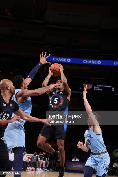 Immanuel Quickley of the New York Knicks shoots the ball during the game against the Memphis Grizzlies on April 9, 2021 at Madison Square Garden in...