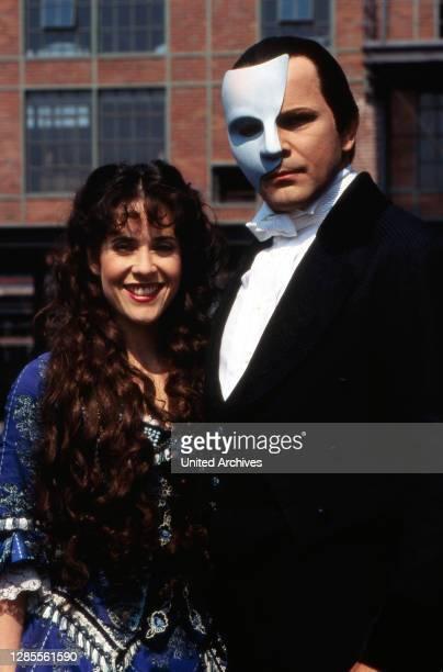 """Immer wieder Sonntags, Sonntagsshow, Deutschland 1995, Sendung vom 9. Juli 1995, Mitwirkende: Darsteller aus dem Musical """"Phantom der Oper""""."""