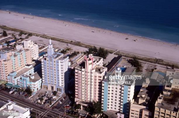 Immeubles d'architecture art deco dans le quartier du Miami Beach Architectural District, en Floride, Etats-Unis.