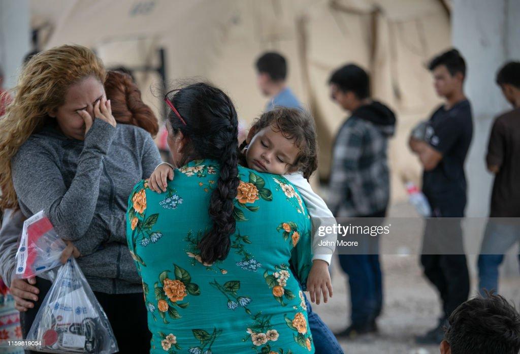 US Border Patrol Receives Asylum Seekers In Texas' Rio Grande Valley : News Photo
