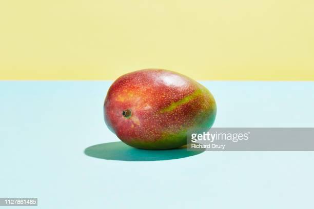 imperfect mango - mango stock-fotos und bilder