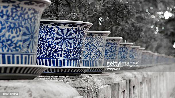 imperial chinese ceramic plant pots - lifeispixels stock pictures, royalty-free photos & images