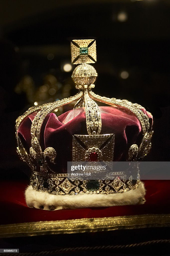 Imperial State Crown in Tower of London : Stock Photo