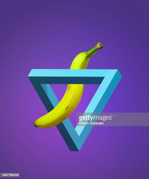 Impossible Shape with strange bananas