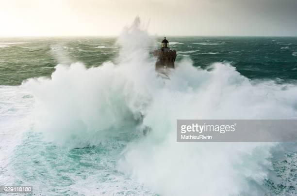 Impressive wave on the lighthouse