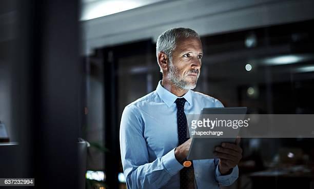 improving business one tap at a time - utilizar o tablet - fotografias e filmes do acervo