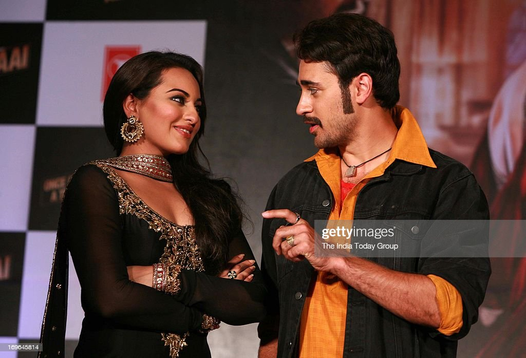 Imran Khan and Sonakshi Sinha during the launch of the first look of the movie 'Once Upon a Time in Mumbai Again' on 29th May 2013 in Mumbai