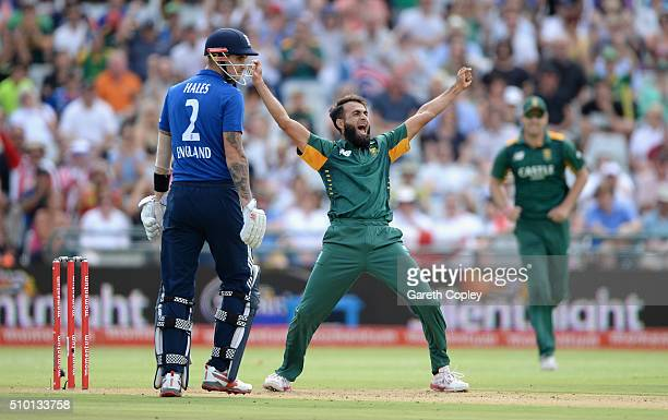 Imran Tahir of South Africa celebrates dismissing Jason Roy of England during the 5th Momentum ODI match between South Africa and England at Newlands...