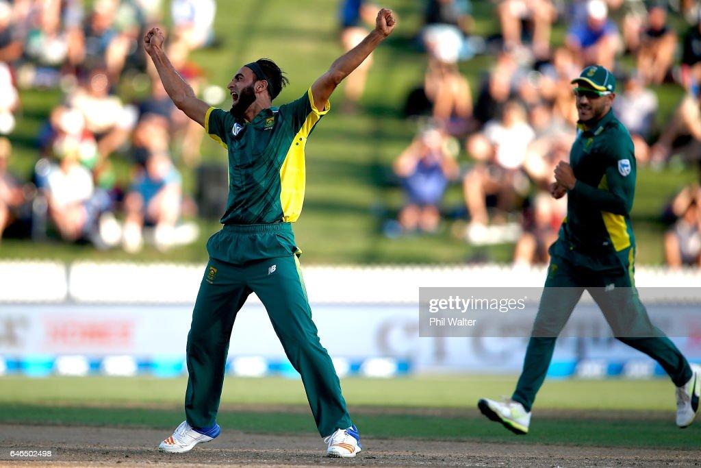 New Zealand v South Africa - 4th ODI : News Photo
