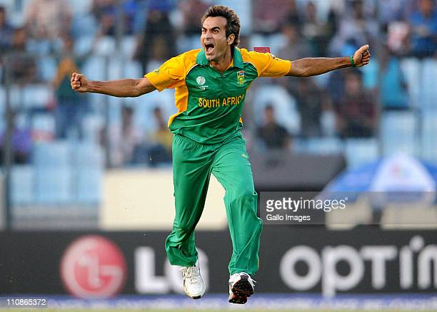 Imran Tahir of South Africa celebrates the wicket of Jesse Ryder of New Zealand during the 2011 ICC World Cup QuarterFinal match between New Zealand...