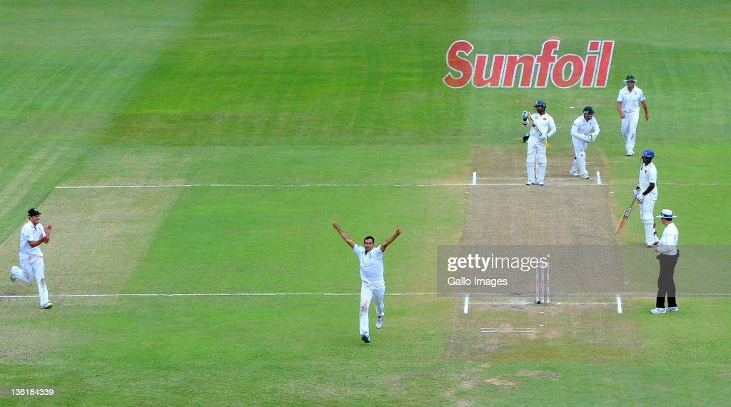 Second Test  - South Africa v Sri Lanka : Day Three