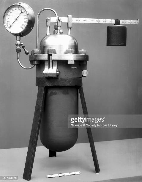 In 1679 French physicist Denis Papin invented the steam digester forerunner of the domestic pressure cooker which was used for softening bones