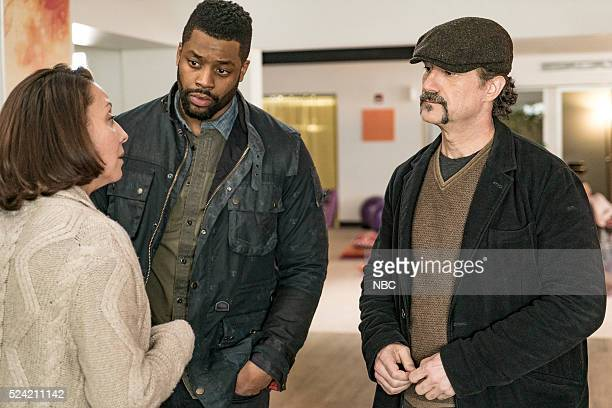 """In a Duffel Bag"""" Episode 320 -- Pictured: LaRoyce Hawkins as Officer Kevin Atwater, Elias Koteas as Detective Alvin Olinsky --"""