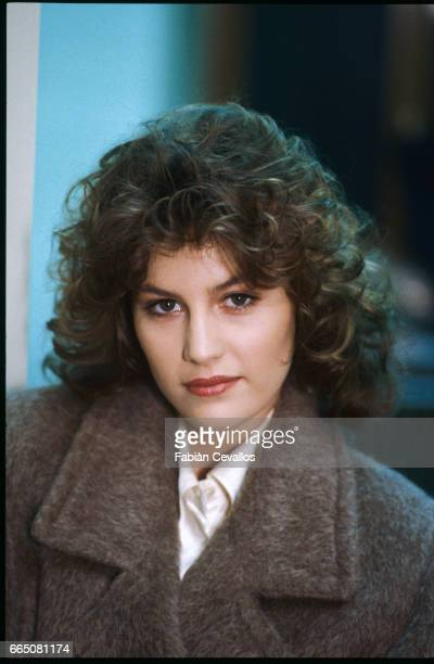 In a scene from the movie Lui e peggio di me directed by Enrico Oldoini actress Kelly Van der Velden poses for a portrait with a brown coat on The...