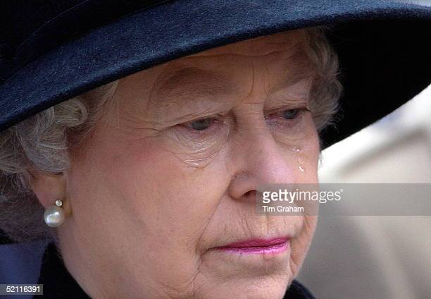 In A Week Of High Drama For Queen Elizabeth Ll At The Time Of The Court Case Of Exbutler Paul Burrell She Gives Way To Tears At The Service Of...