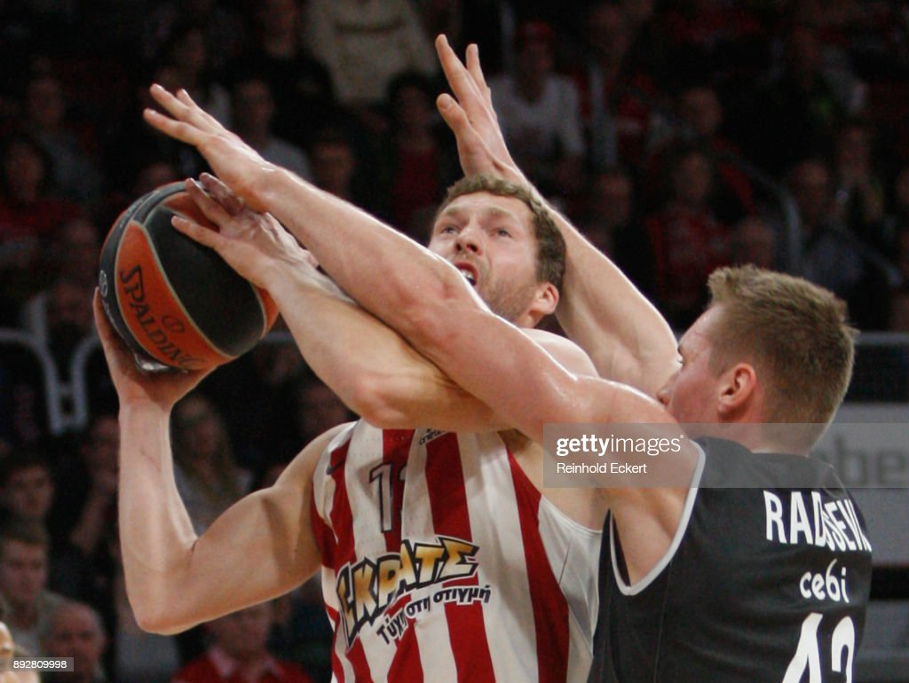 Brose Bamberg v Olympiacos Piraeus - Turkish Airlines EuroLeague