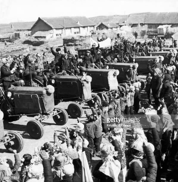 In April 1958 During The Great Leap Forward Campaign Chinese Villagers From Chung Hsing Hsiang In The Pai Chuan Province Welcome The Arrival Of...