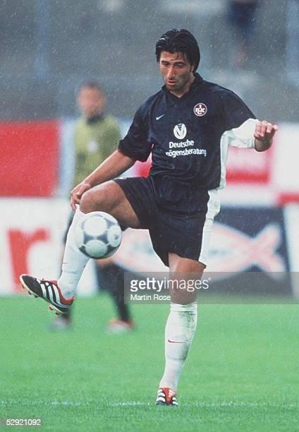 POKAL 2000 in Augsburg FC BAYERN MUENCHEN 1 FC KAISERSLAUTERN 41 Murat YAKIN/KAISERSLAUTERN