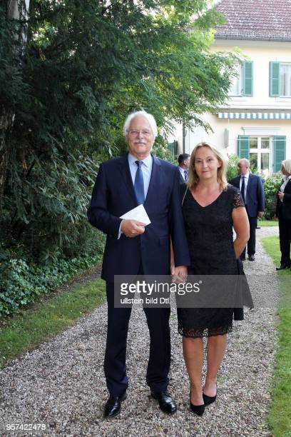 CAMBRIDGE in Berlin Queen`s Birthday Party Thomas Roth mit Frau