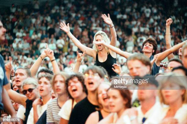 In concert at the Galpharm Stadium, 25th July 1995.