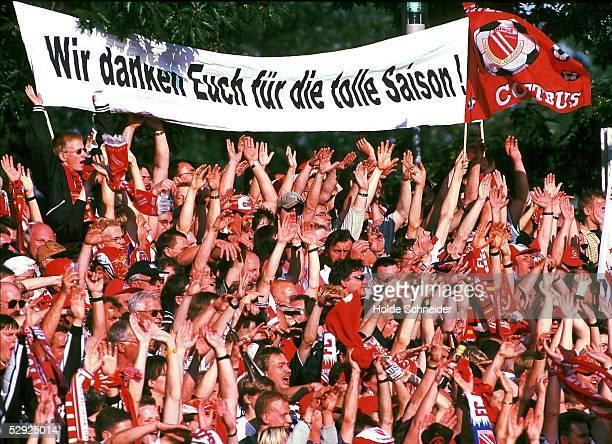 2 BUNDESLIGA 99/00 in Cottbus ENERGIE COTTBUS 1 FC KOELN 20 ENERGIE FANS Aufstieg in die 1 Bundesliga
