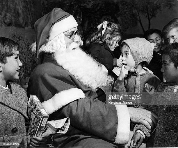 In Croydon On November 21 Santa Claus Spoke With Children Originating From Tristan Da Cunha Following The Volcanic Eruption Which Occured In This...