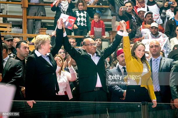 Arrival of Marzouki with his wife Beatrix and her daughter Nadia at the meeting of Moncef Marzouki which has a full house in the dome of Tunis in a...