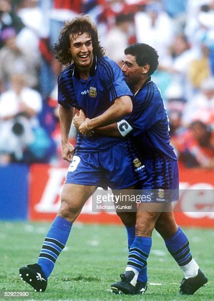 WM 1994 in den USA Boston ARGENTINIEN GRIECHENLAND 40 TORJUBEL Gabriel BATISTUTA Diego MARADONA/ARG