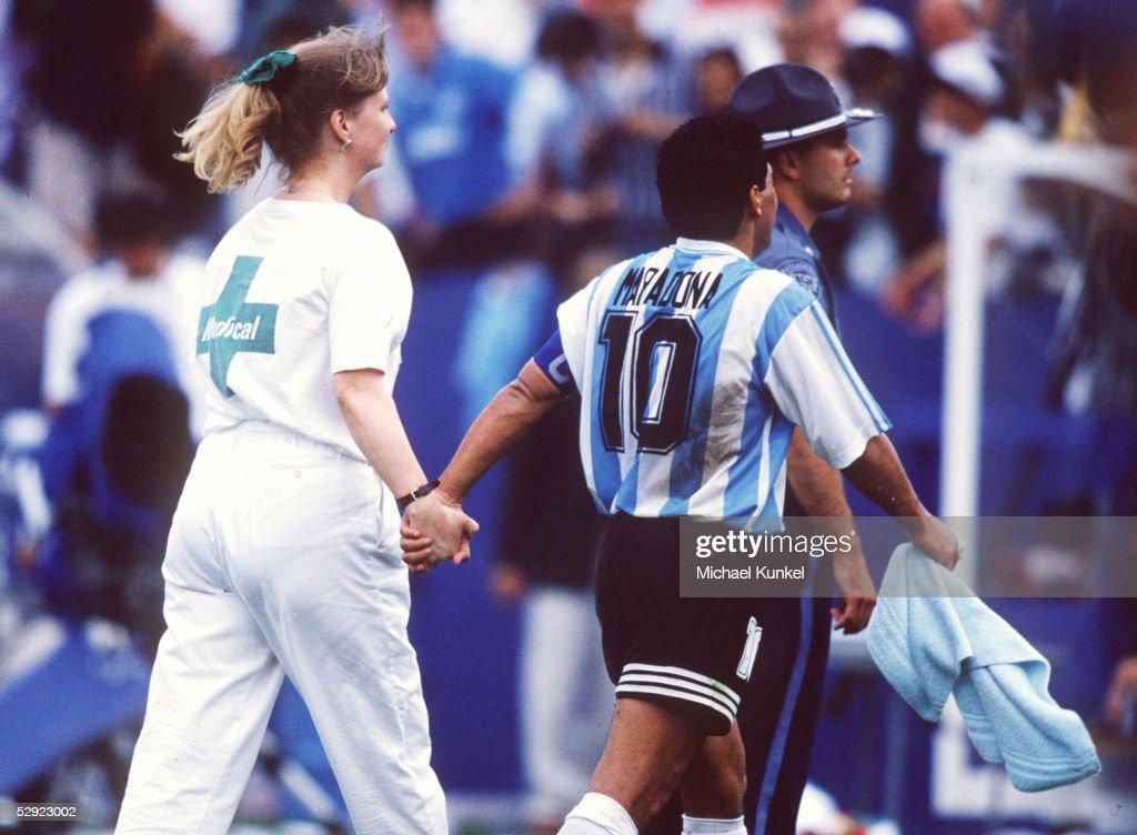 FUSSBALL: WM 1994 in den USA, ARG - NGA 2:1 : Foto di attualità