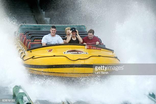 WM 2003 in den USA Los Angeles Nationalmannschaft Deutschland/Feature Birgit PRINZ/GER auf der Wasserrutsche in den Universal Studios