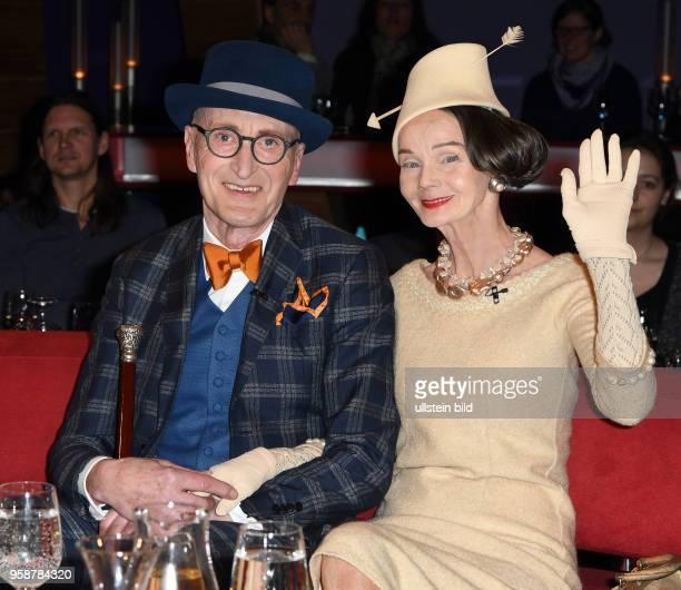 In der 788 Ausgabe der NDR Talk Show am erwartet Barbara Schöneberger folgende Gäste Die Kreuzberger Stilikone Günther Krabbenhöft und seine beste...