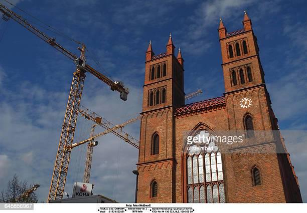 In der gestrigen rbbAbendschau wurde auf die katastrophaleSituation der SchinkelKirche in Berlins historischer Mitte am Werderschen Markt Baustelle...