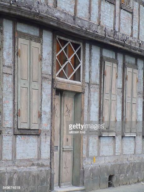 In der historischen Altstadt die zum Weltkulturerbe der Uneco gehört sind noch ungefähr 500 historische Gebäude unbewohnbare Bauruinen wie diese...