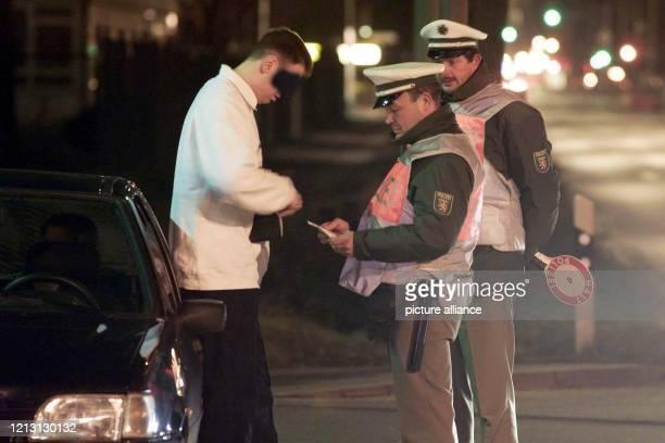 """In der Nacht zum Samstag den 26.2.2000 werden bei einem Landesaktionstag der Hessischen Polizei unter dem Motto """"Alkohol und Drogen im..."""