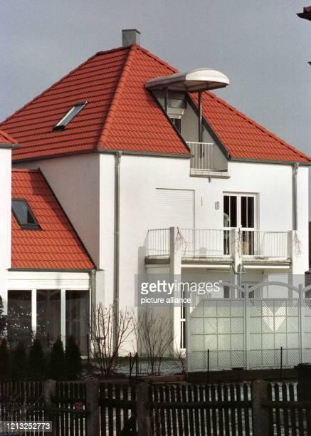 In diesem Haus im oberbayerischen Ingolstadt wurde am 2911998 der mutmaßliche SchwartauErpresser festgenommen Bei einem Überraschungscoup nahm die...