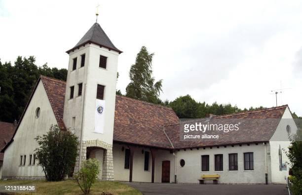 In dieser katholischen Kirche in der Gemeinde Ebersdorf bei Coburg predigte der katholische Pfarrer Weiss der sich seit dem 5 Juli vor dem Coburger...