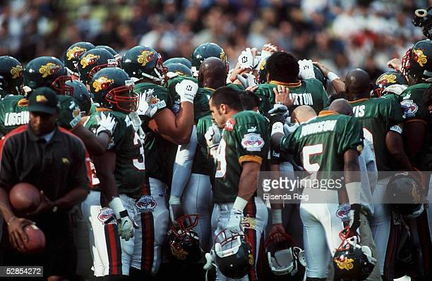 3e14baf2a46 FINALE in Duesseldorf WORLD BOWL 1999 FRANKFURT GALAXY BARCELONA DRAGONS  3824 TEAM BARCELONA DRAGONS