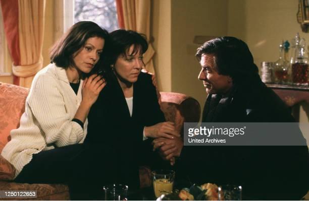 In eigener Sache, Fernsehspiel D 1996, Regie: Walter Weber, ANGELA ROY, EVA KRYLL, ELMAR WEPPER.