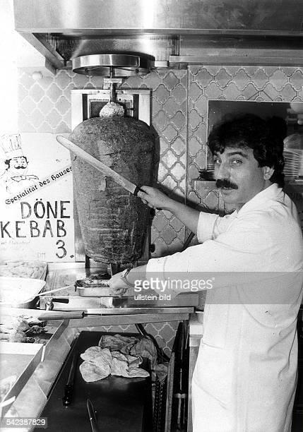 in einem türkischen Döner Kebab Imbiss in BerlinCharlottenburg 1983