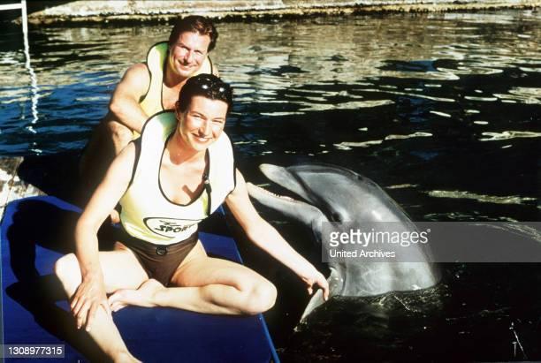 In Florida wird Max Henning von der Meeresbiologin Linda Kelly bestens betreut. Sie zeigt ihm dort die vielfältige Tierwelt. Linda besitzt ein Boot,...
